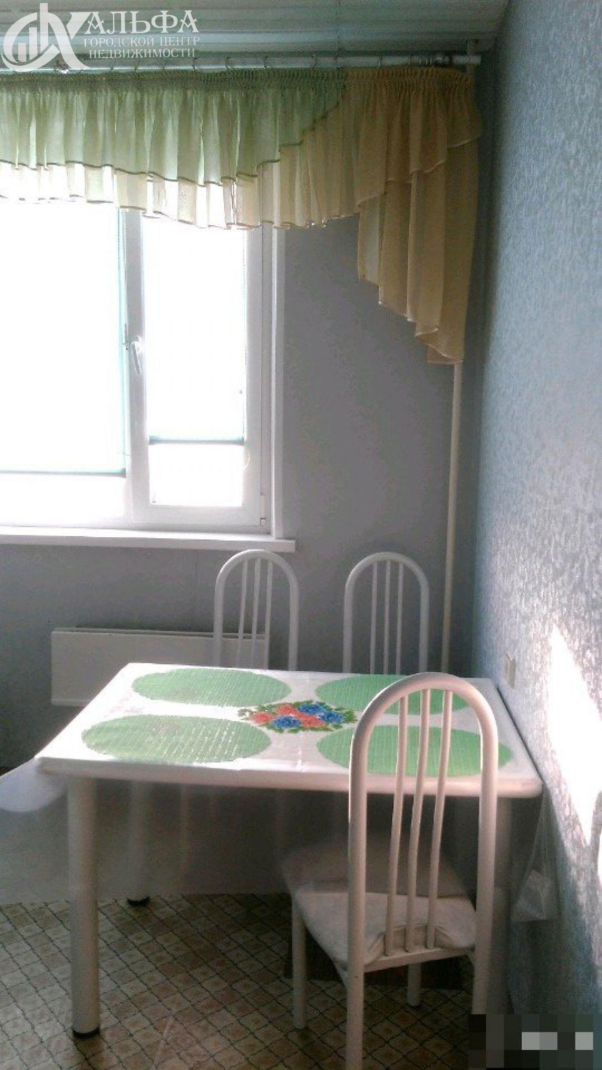 Продам 2-комн. квартиру, Ханты-Мансийский Автономный округ - Югра, Нижневартовск, Улица 60 лет Октября, 44