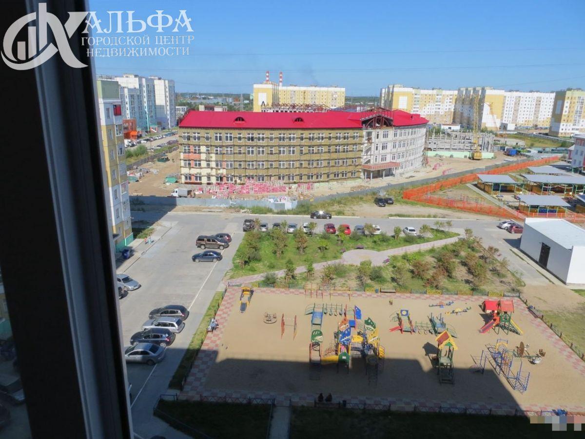 Продам 2-комн. квартиру, Ханты-Мансийский Автономный округ - Югра, Нижневартовск, Мира ул, 93
